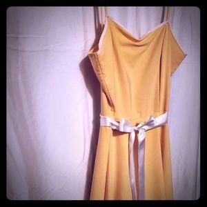 Sweet littleYellow dress